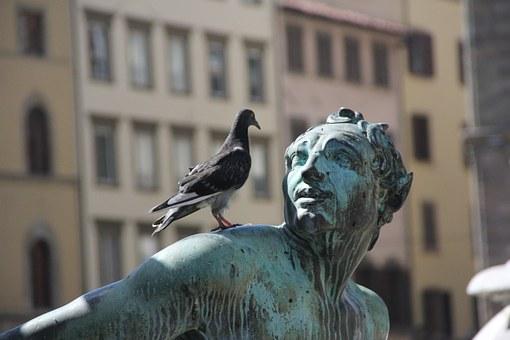statue-185435__340