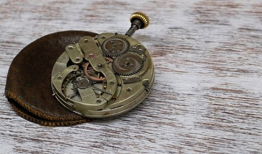 clock-1205634__340
